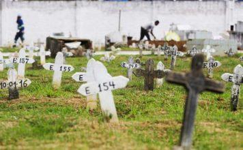 Bêbado vai ao cemitério