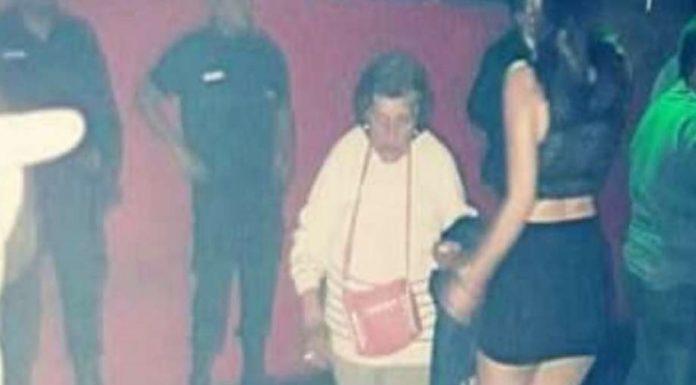 Avó vai a festa buscar a neta