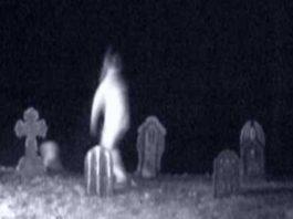 fazer-de-fantasma-no-cemiterio