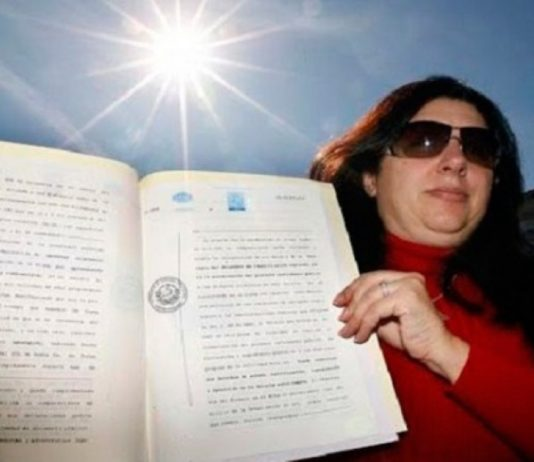 Mulher diz ter provas que é a dona do sol