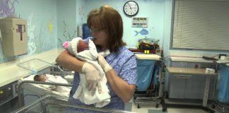 Mulher com COVID-19 dá à luz