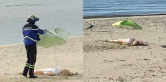 boneca insuflável na praia