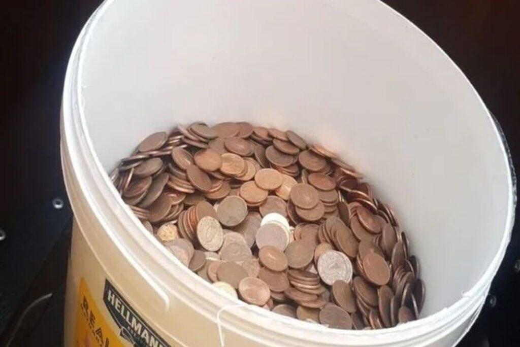 salário do patrão em balde